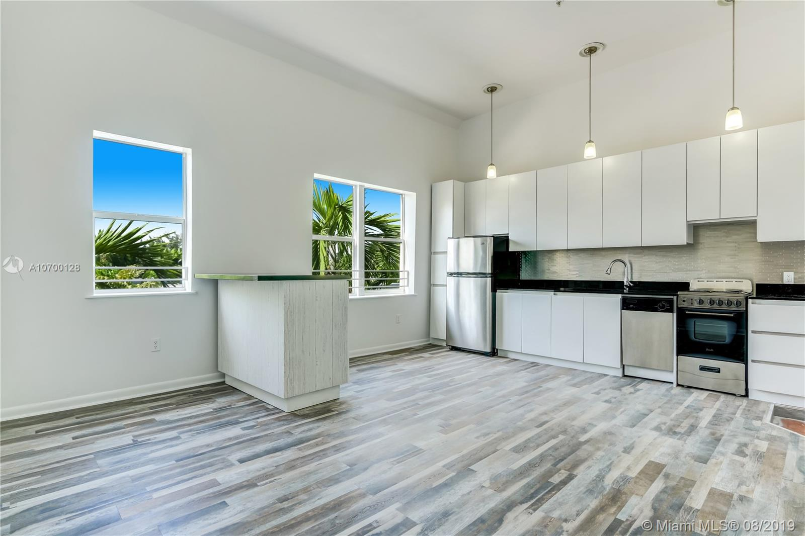 1521  Lenox Ave. #301 For Sale A10700128, FL