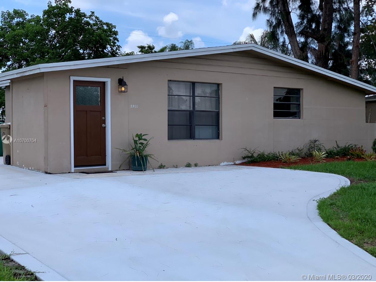 3900 SW 60th Ave  For Sale A10700704, FL