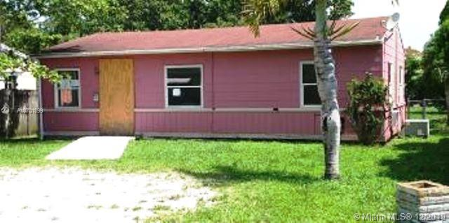 2431  Grant St  For Sale A10701099, FL