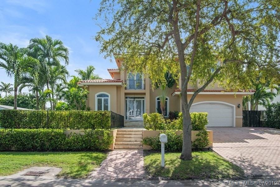 301 Woodcrest Rd, Key Biscayne, FL 33149