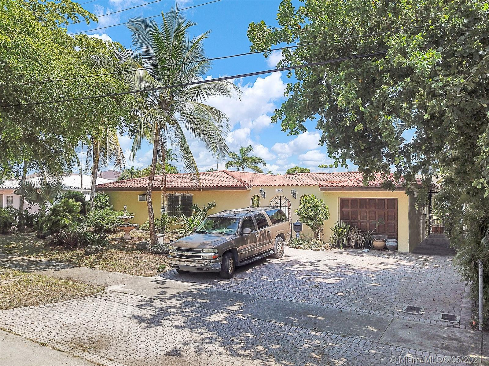 Image 10 For 2040 Hibiscus Dr