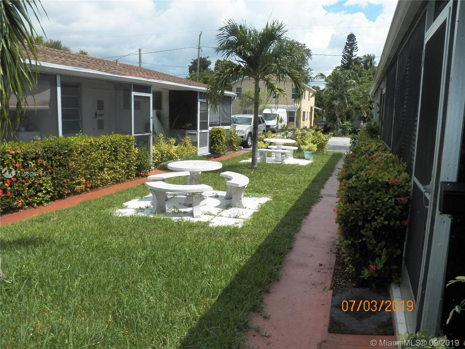 2524  Hayes St #11 For Sale A10696714, FL