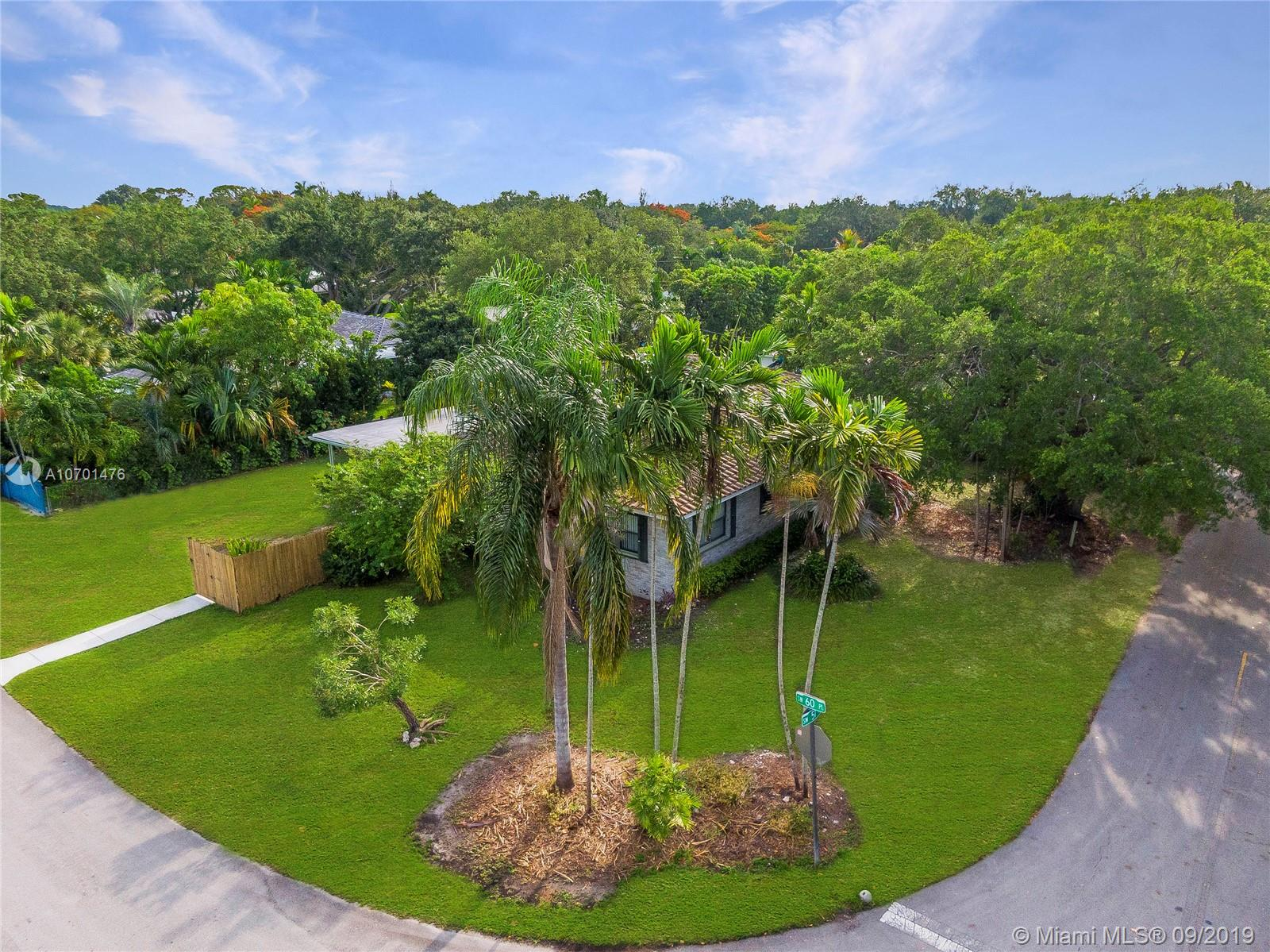 5991 SW 51st St  For Sale A10701476, FL