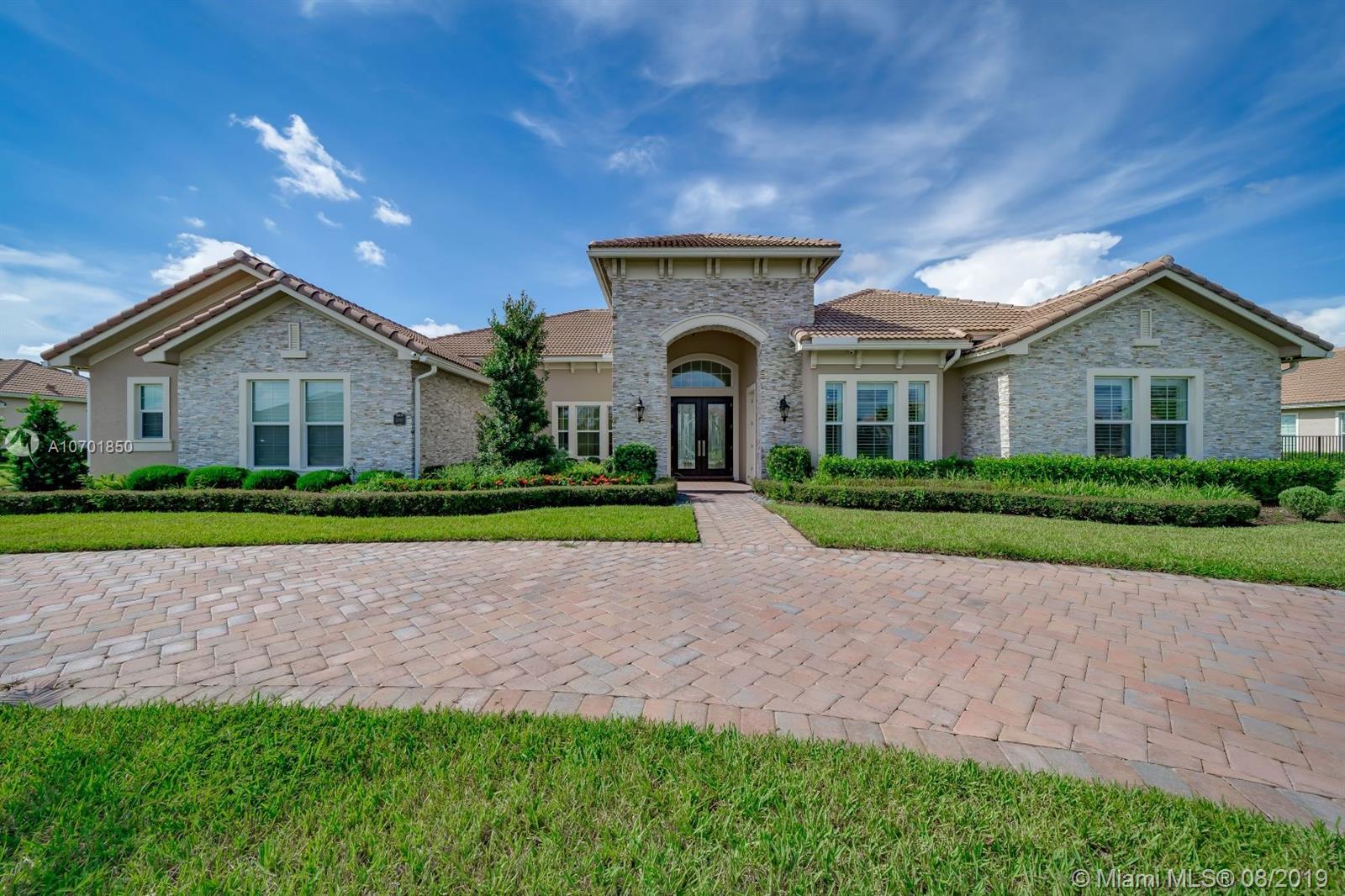 5700 N Sterling Ranch Dr, Davie, FL 33314