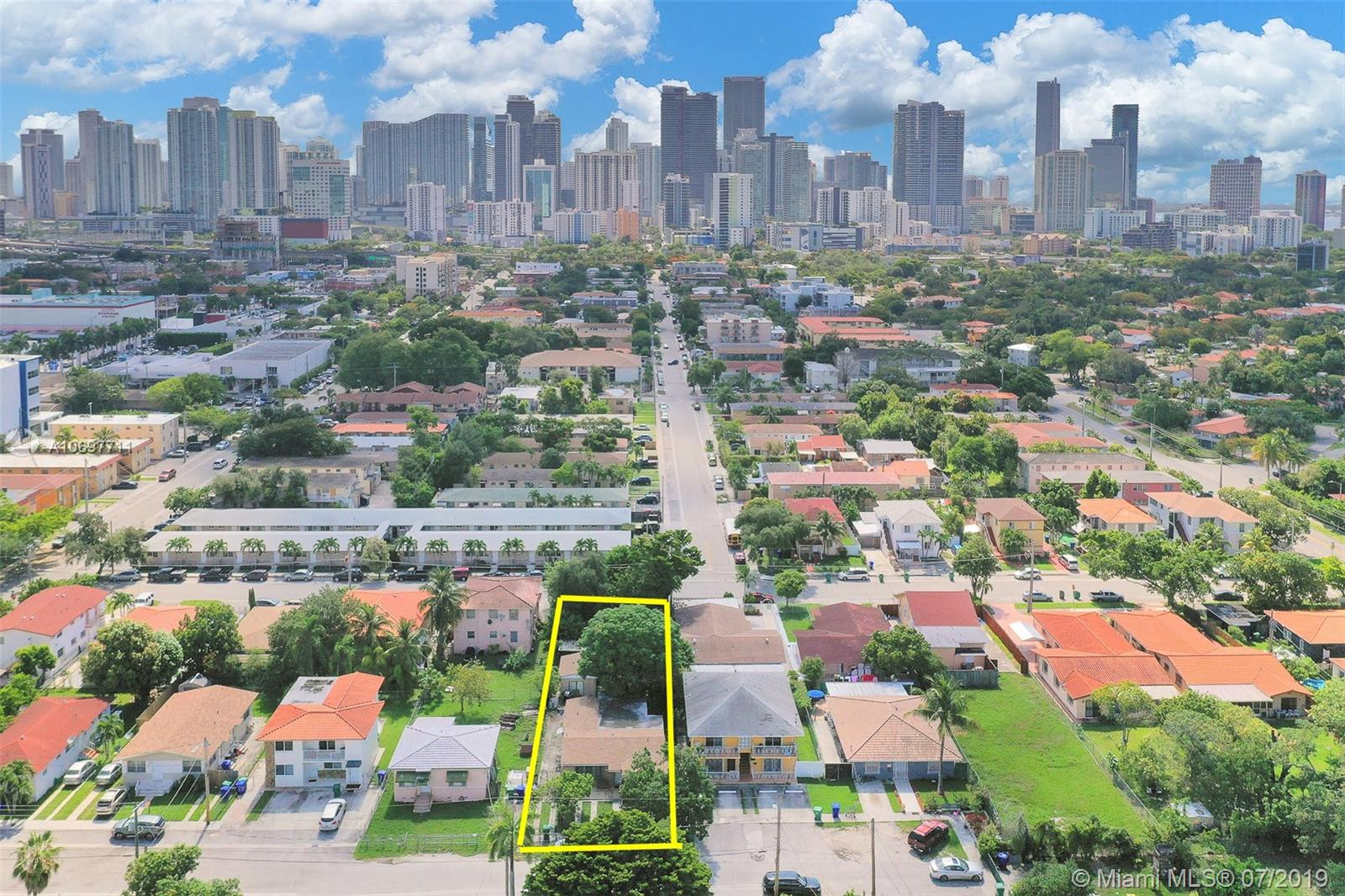 951 SW 8th Ct  For Sale A10697711, FL