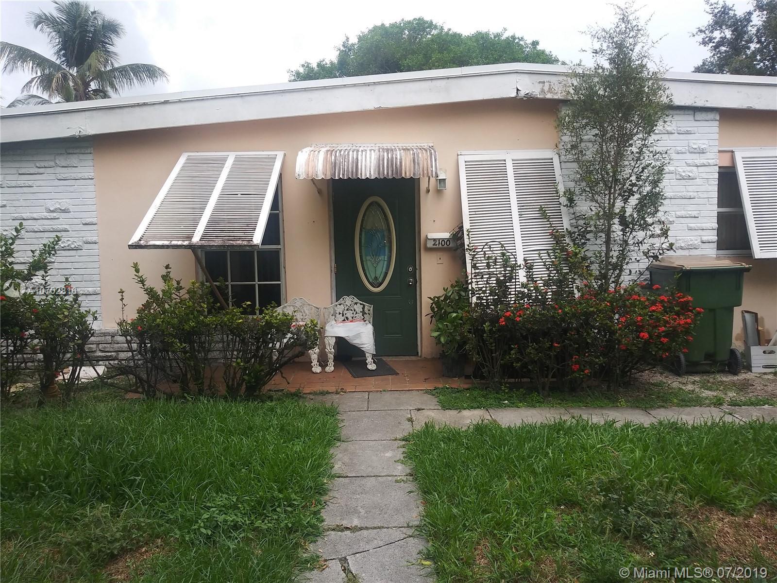 2100 Alamanda Dr, North Miami, FL 33181