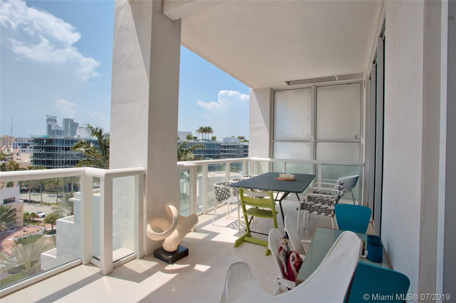 50 S Pointe Dr #805 For Sale A10699804, FL