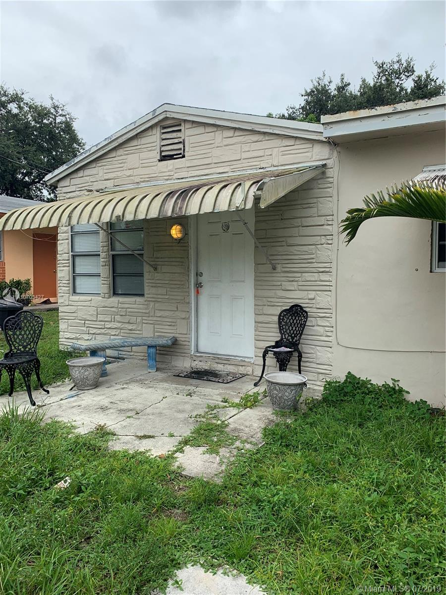 5733  Pierce St  For Sale A10703427, FL