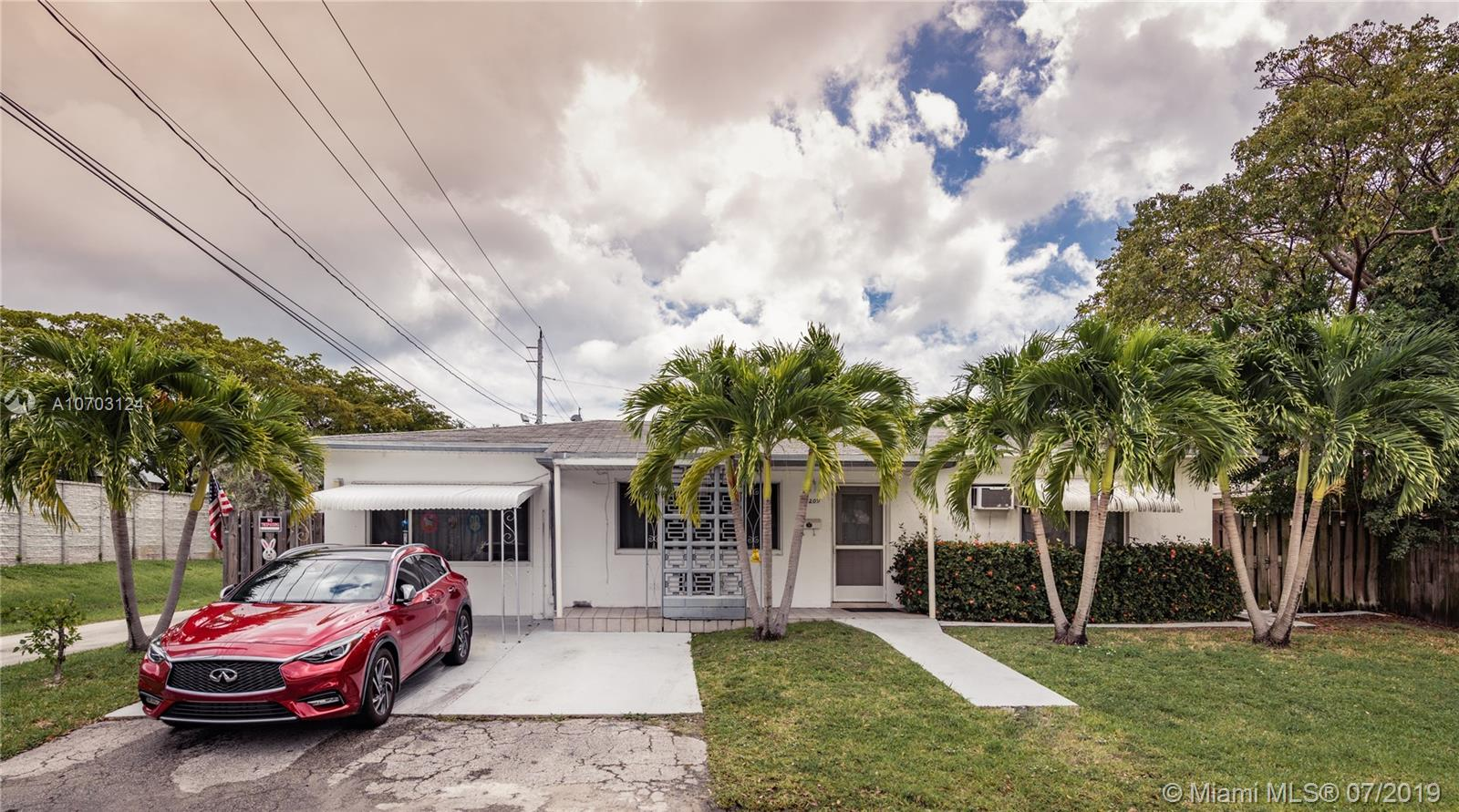2209 N 16th Ave  For Sale A10703124, FL