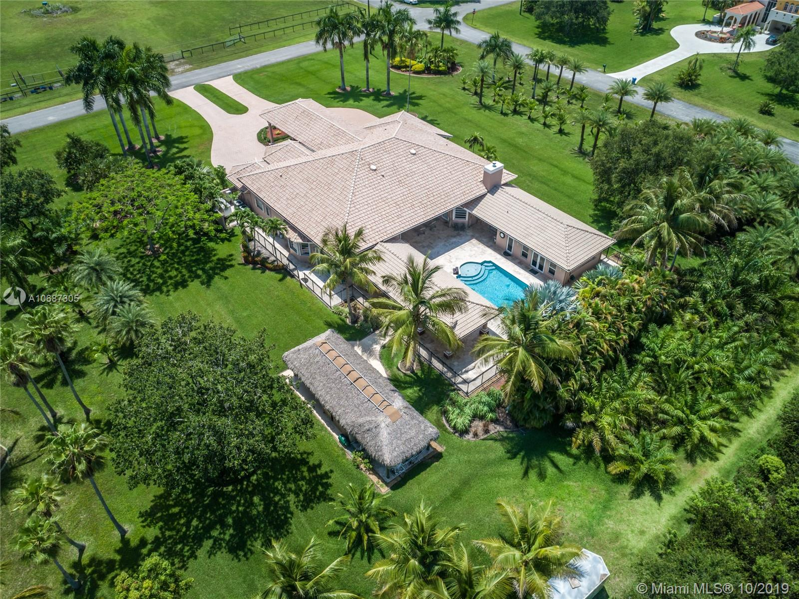 5655 SW 192nd Ter  For Sale A10687305, FL
