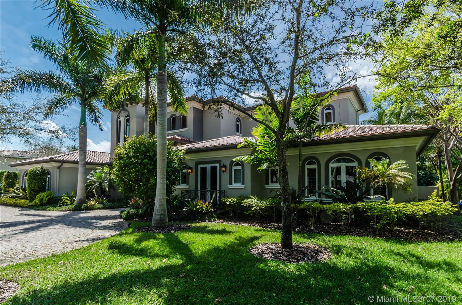 10300 SW 72nd Ave  For Sale A10699696, FL