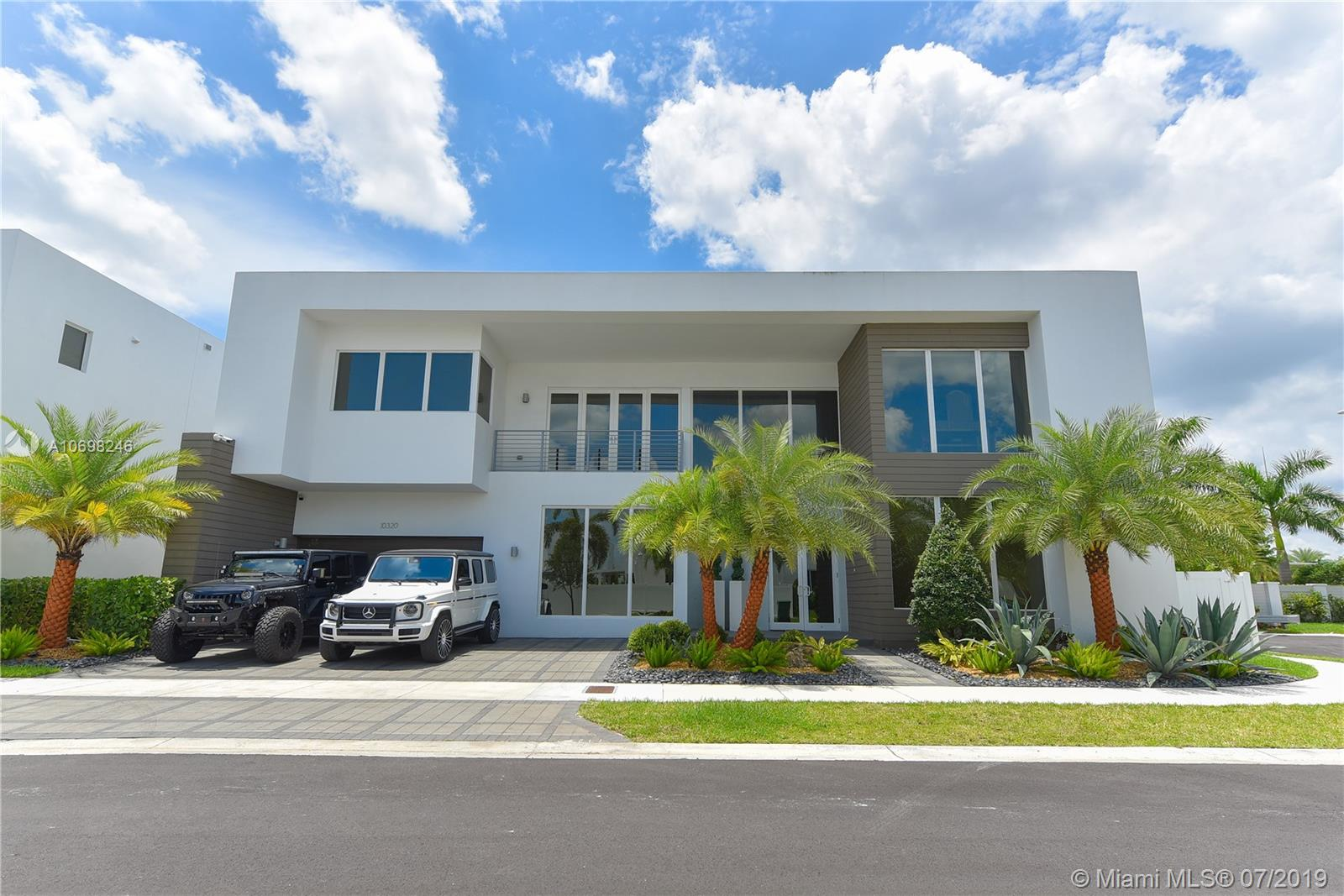 10320 NW 74th Ter  For Sale A10698246, FL