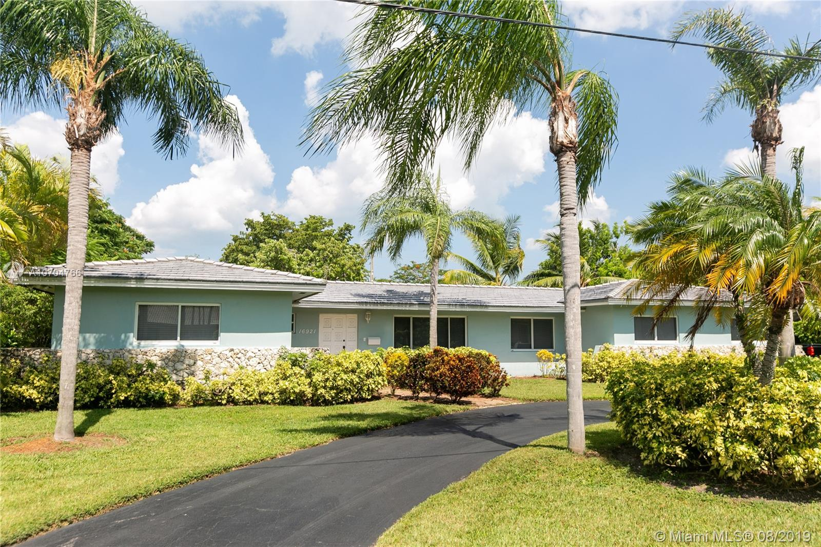 16921 SW 87th Ct  For Sale A10704766, FL