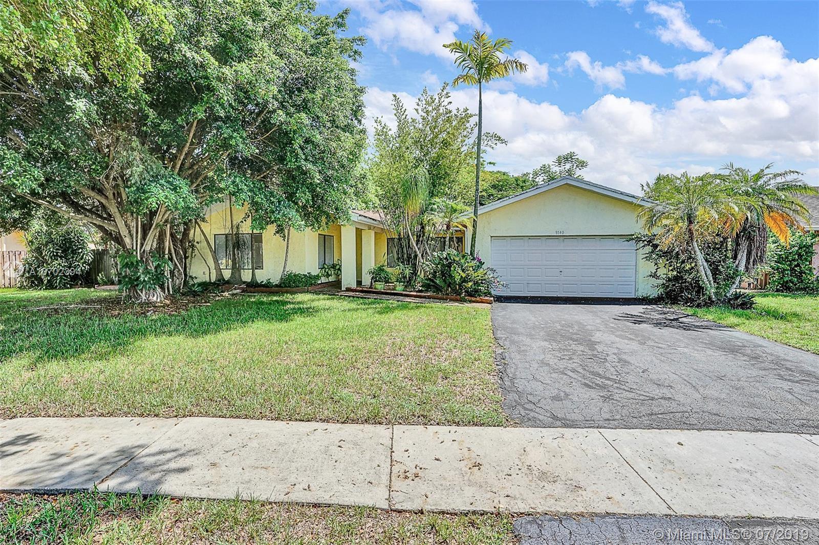 9140 NW 15th St, Plantation, FL 33322