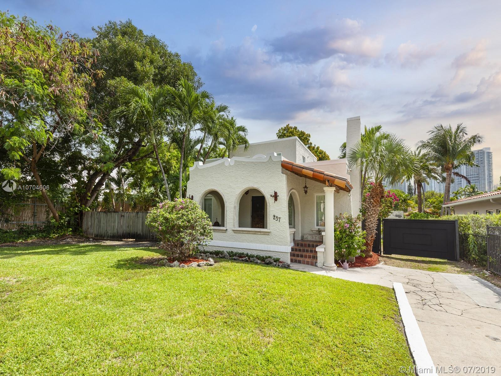 237 SW 20th Rd  For Sale A10704606, FL