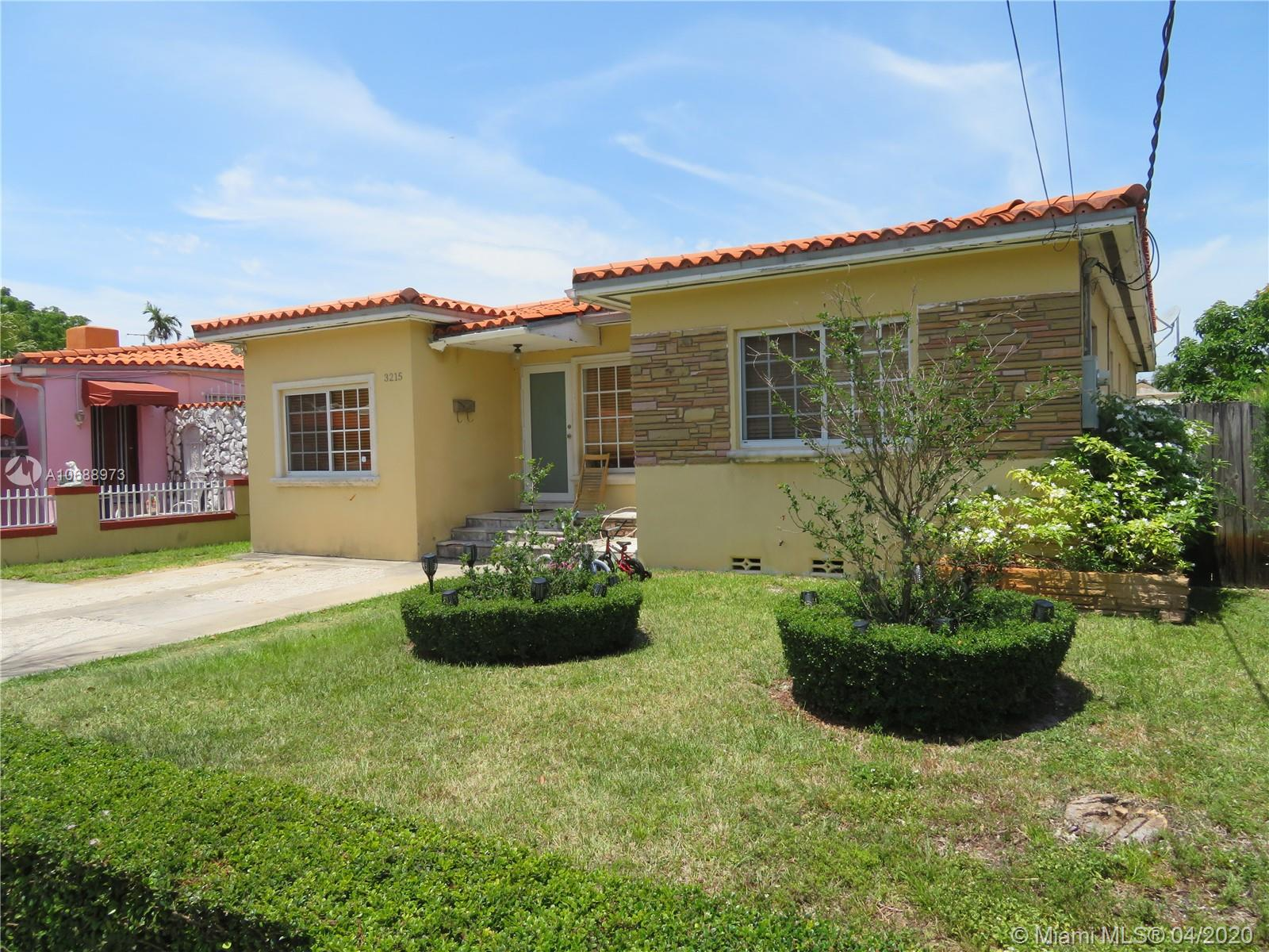 3215 SW 3rd St  For Sale A10688973, FL