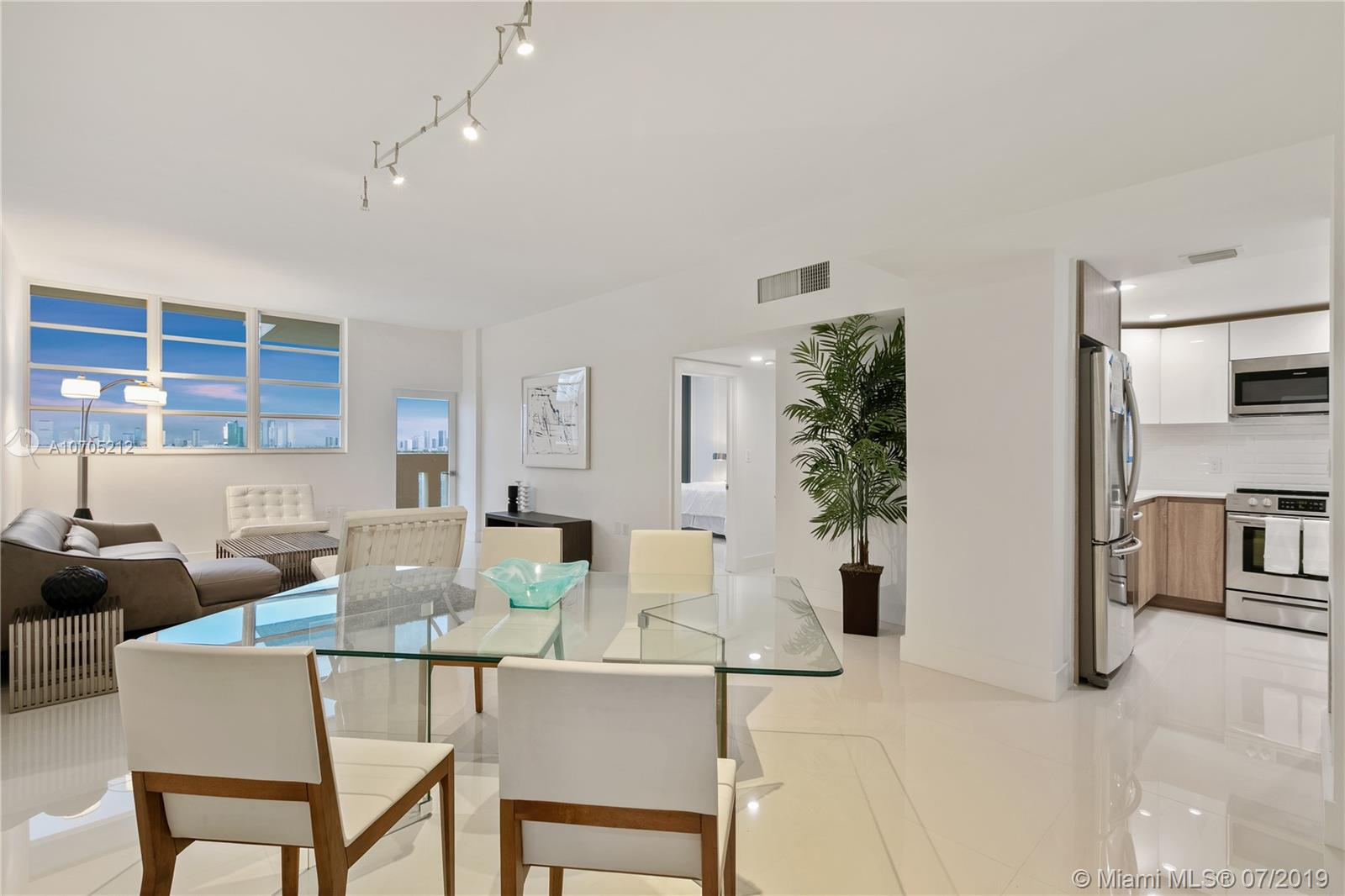 800  West Ave #PH15 For Sale A10705212, FL