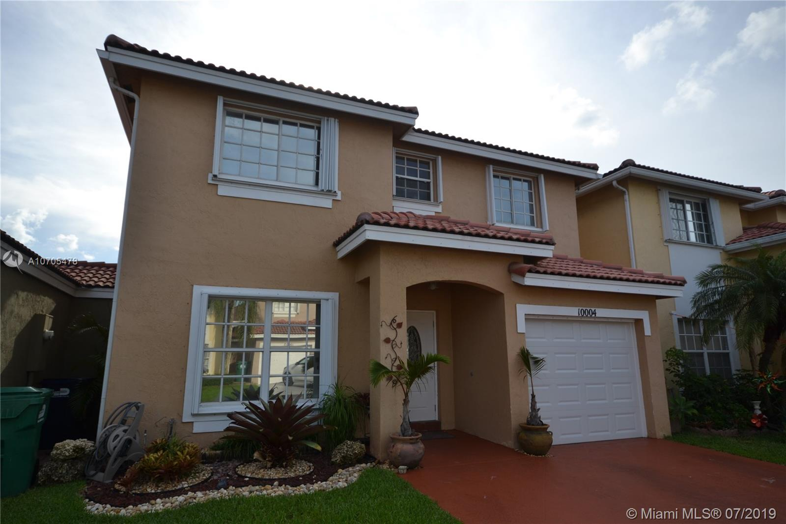 10004 SW 162nd Pl  For Sale A10705478, FL
