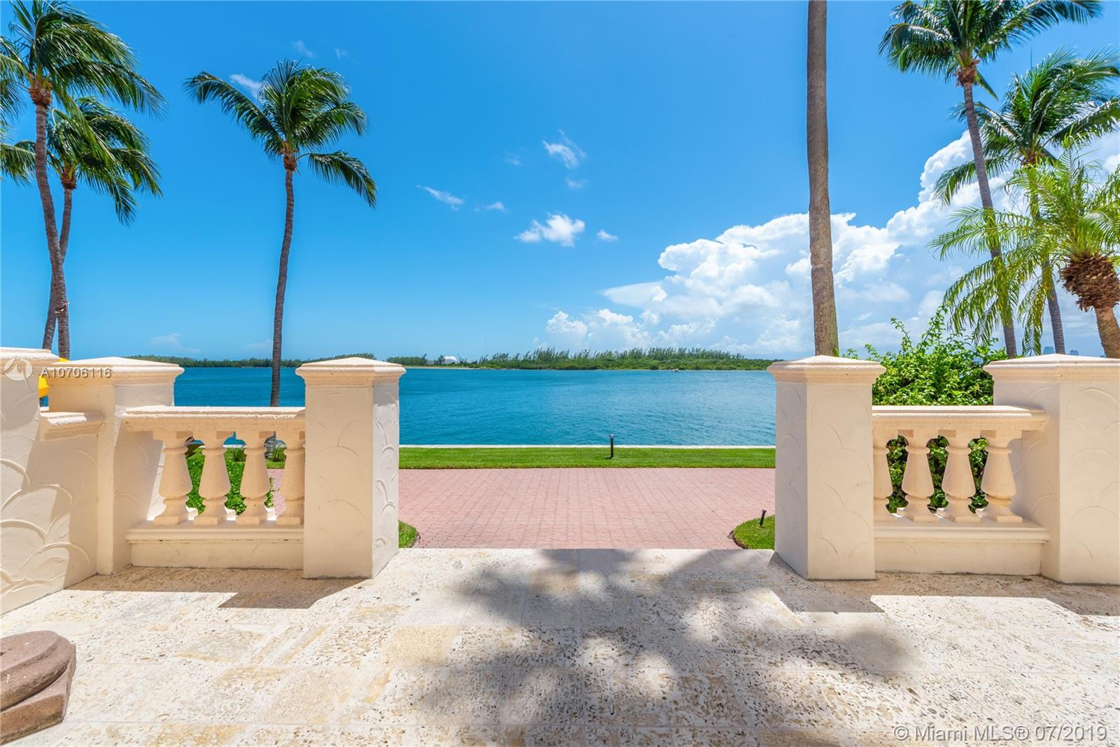 2414  Fisher Island Dr #5104 For Sale A10706116, FL