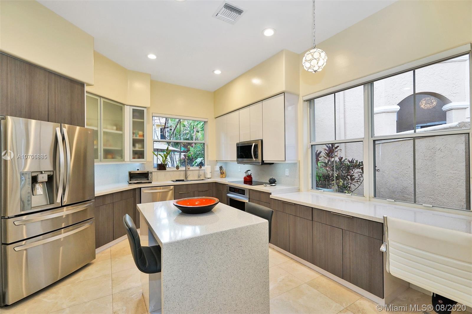 1529  Shoreline Way  For Sale A10706885, FL