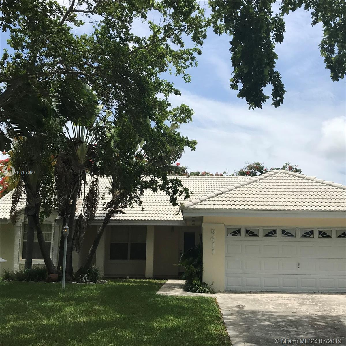 9411 SW 212th Ter  For Sale A10707086, FL