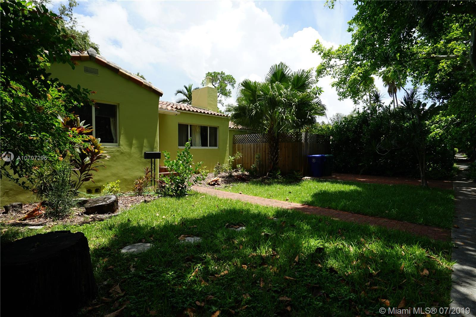 3621 SW 3rd Ave  For Sale A10707296, FL