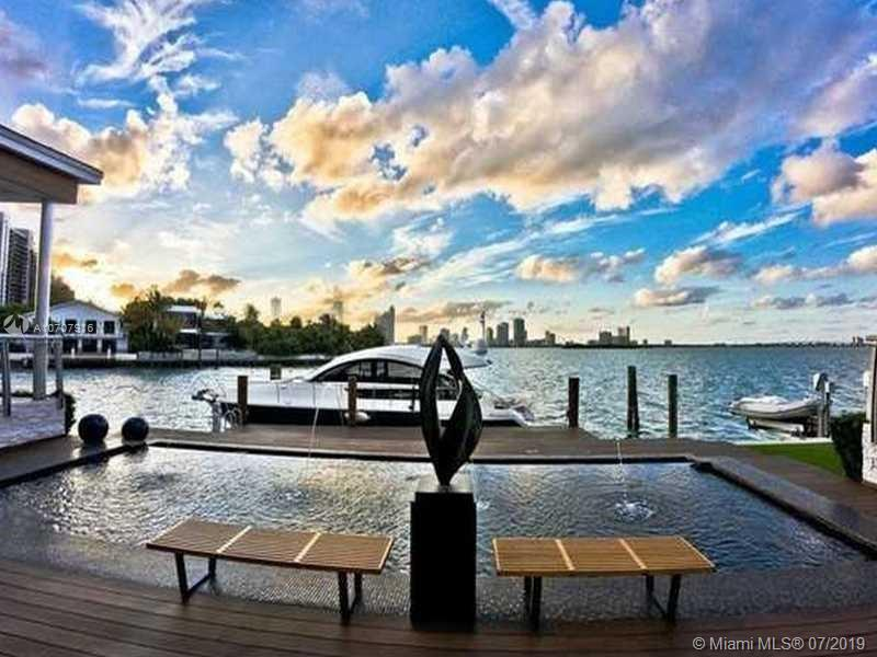 1215 N Venetian Way  For Sale A10707916, FL