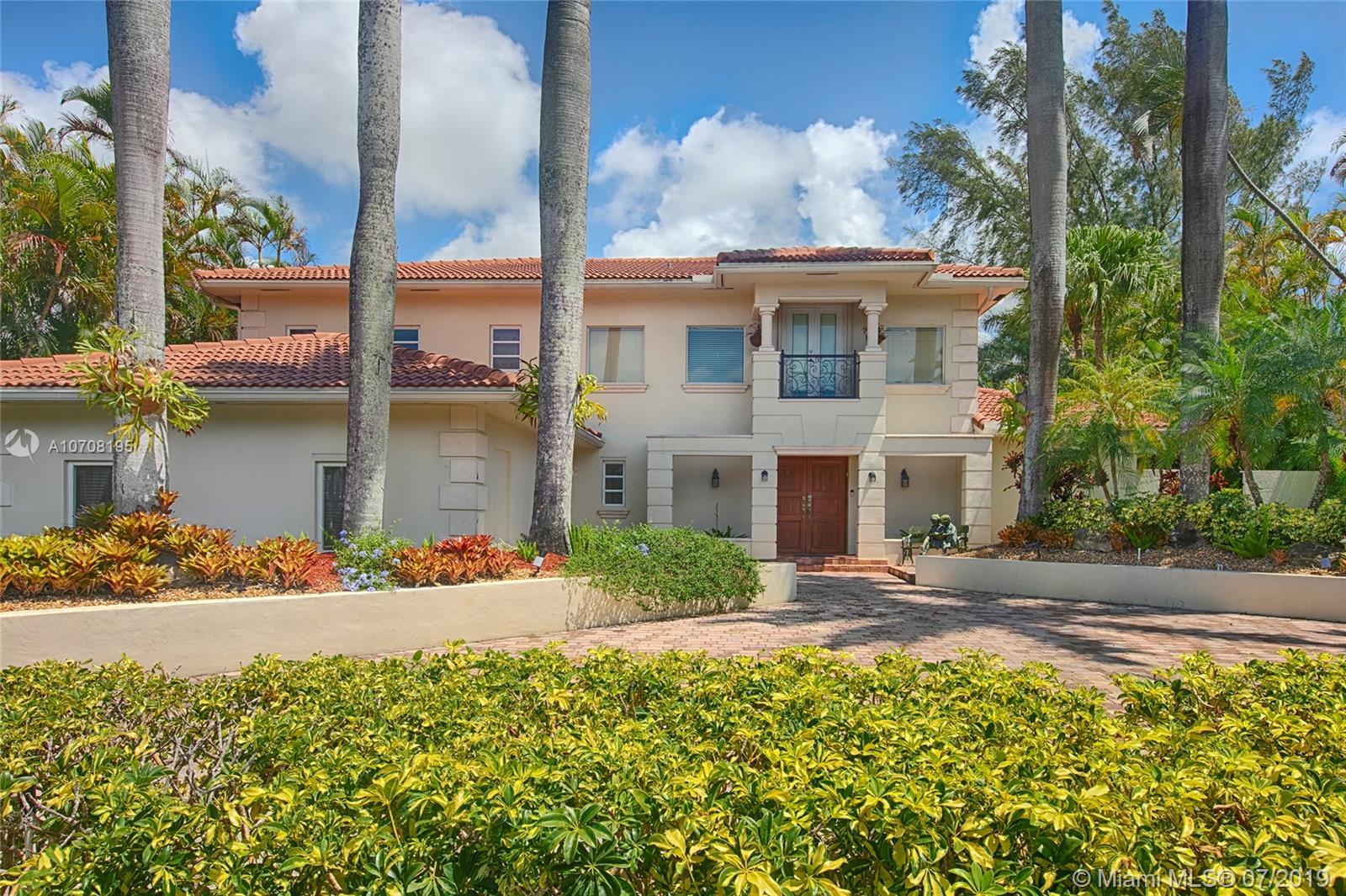 2211 NE 212th St  For Sale A10708195, FL