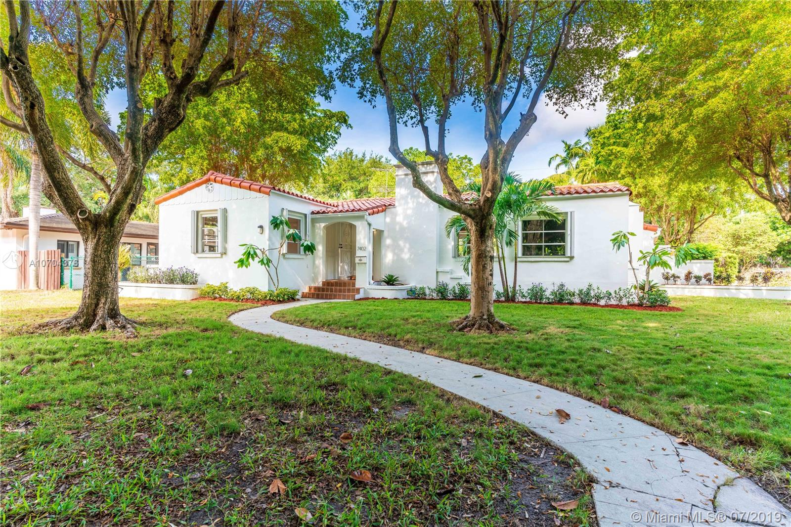 7402 S W 54th Ave  For Sale A10704376, FL