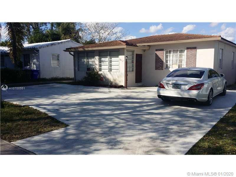 2467  Washington St  For Sale A10700561, FL