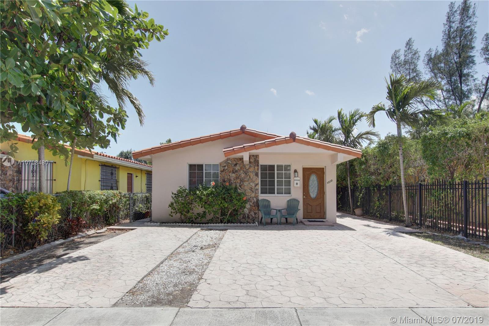 3502 SW 26th St  For Sale A10708480, FL
