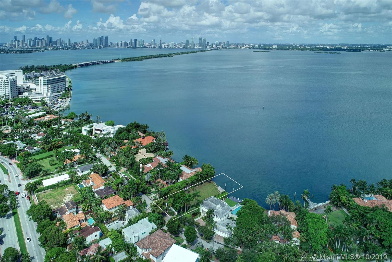 4424 N Bay Rd  For Sale A10708578, FL