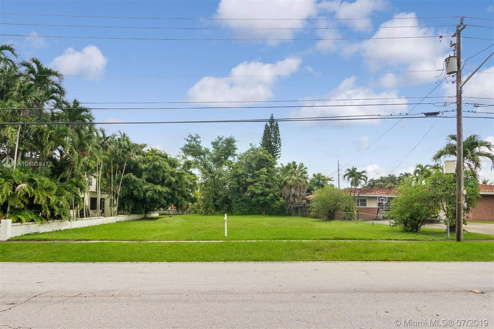 81 S Royal Poinciana Blvd  For Sale A10693847, FL