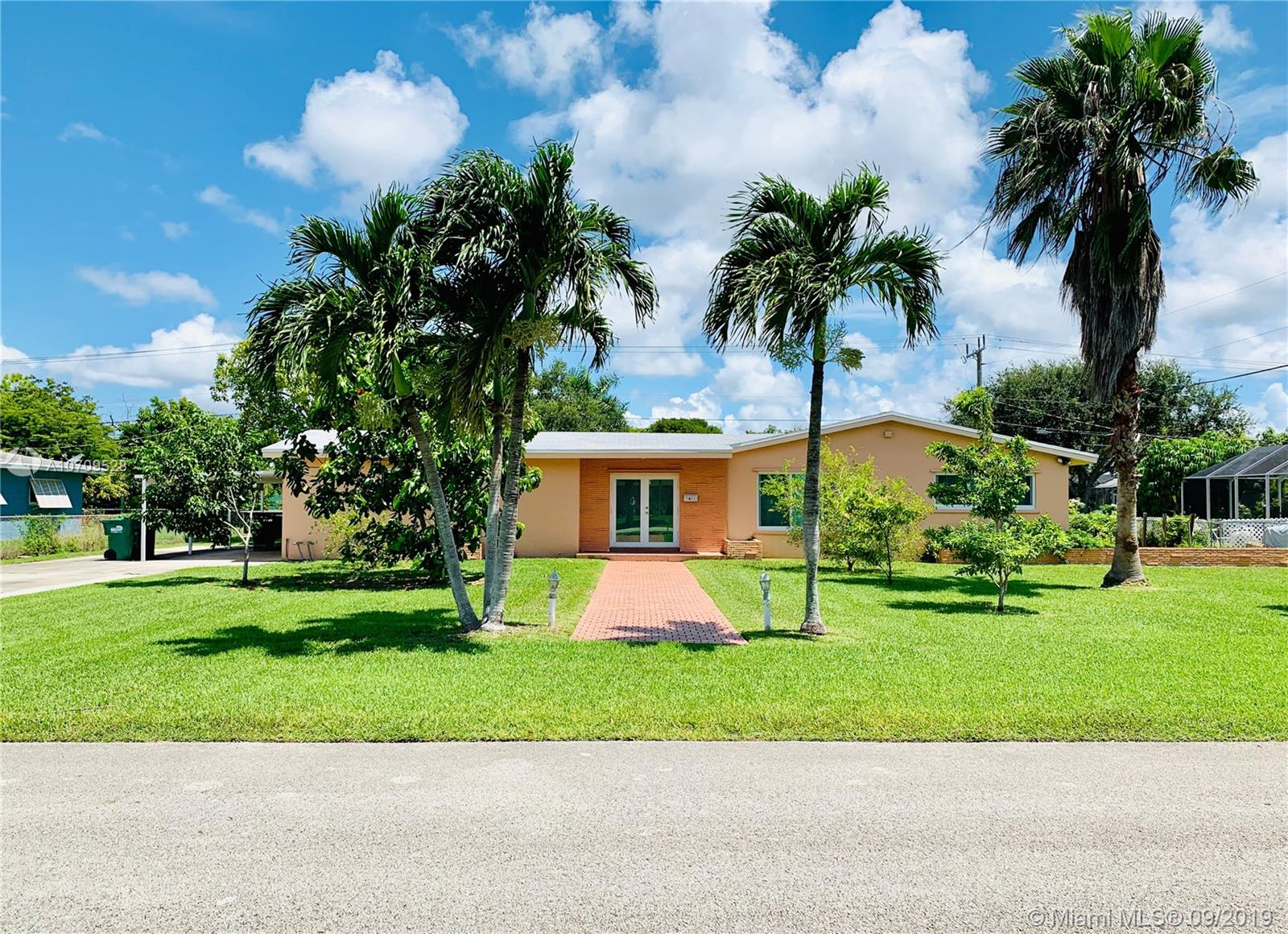 8421 SW 142nd St  For Sale A10709528, FL