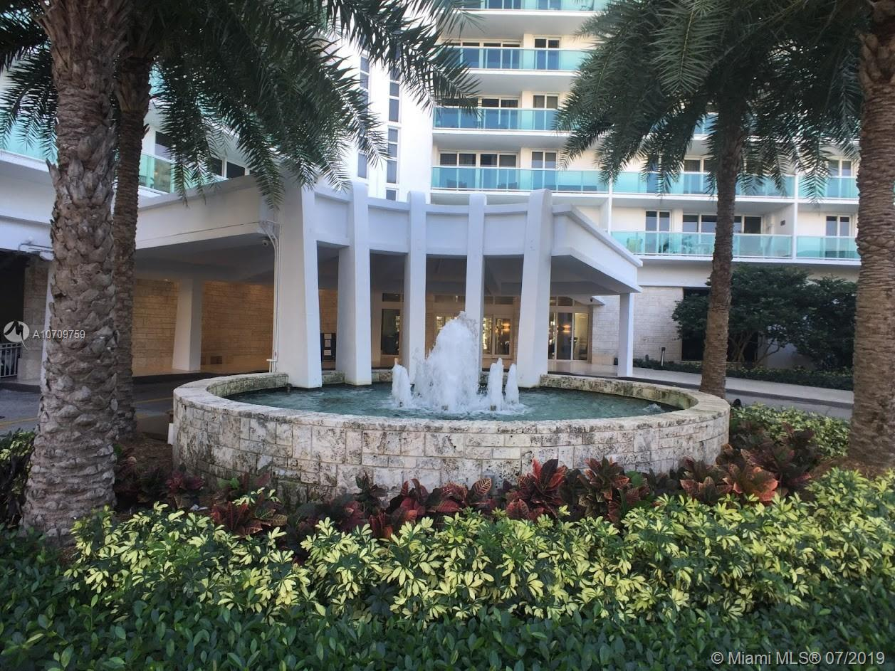100  Bayview Dr #819 For Sale A10709759, FL