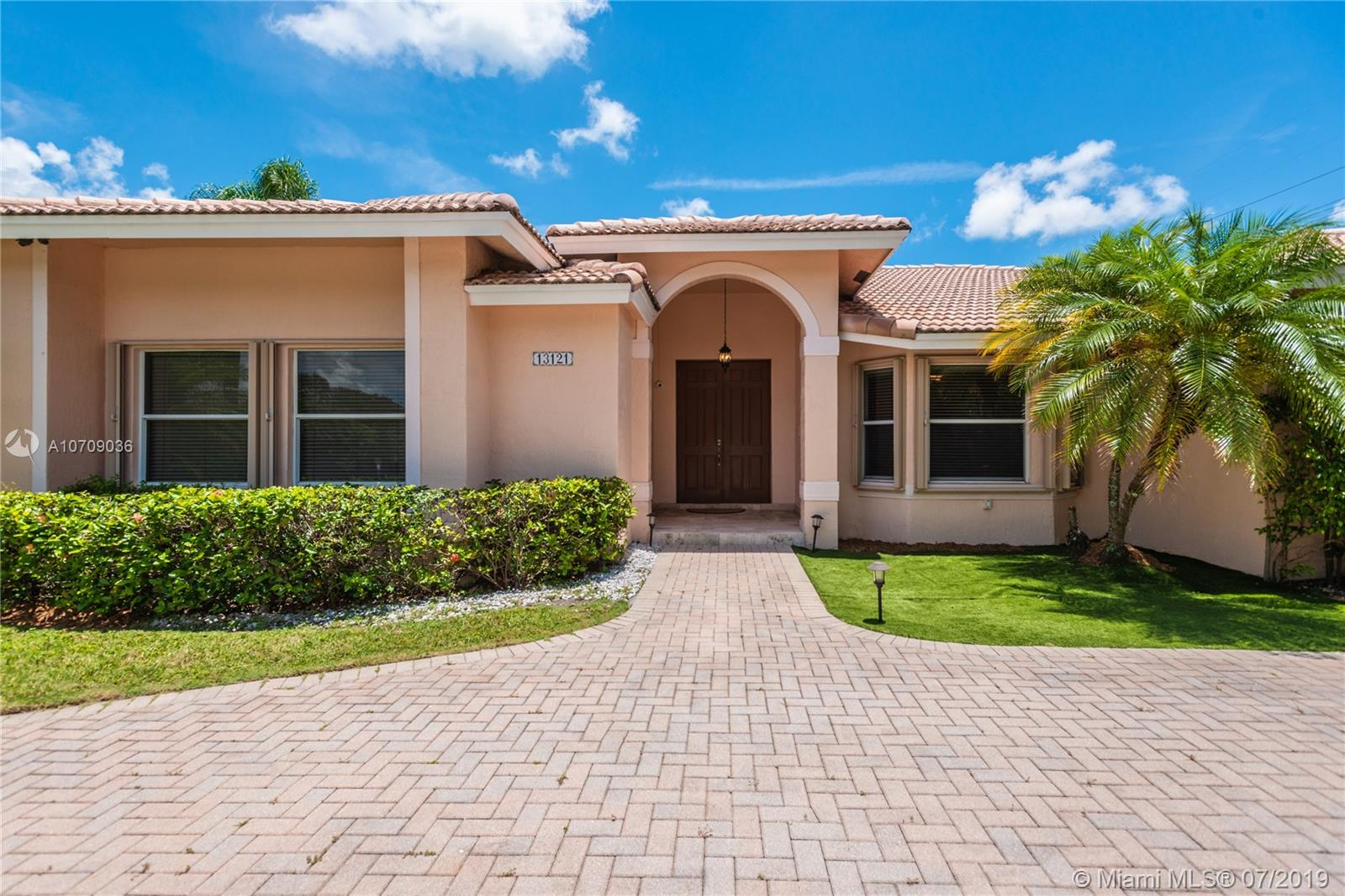 13121 SW 107th Ave  For Sale A10709036, FL