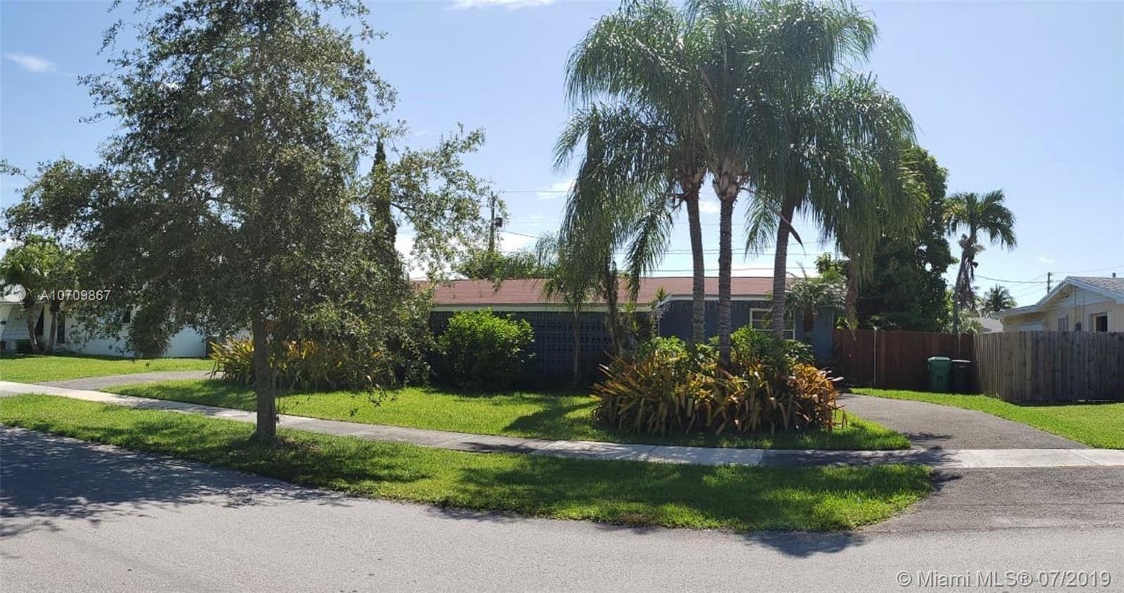 19915 SW 88th Pl  For Sale A10709867, FL
