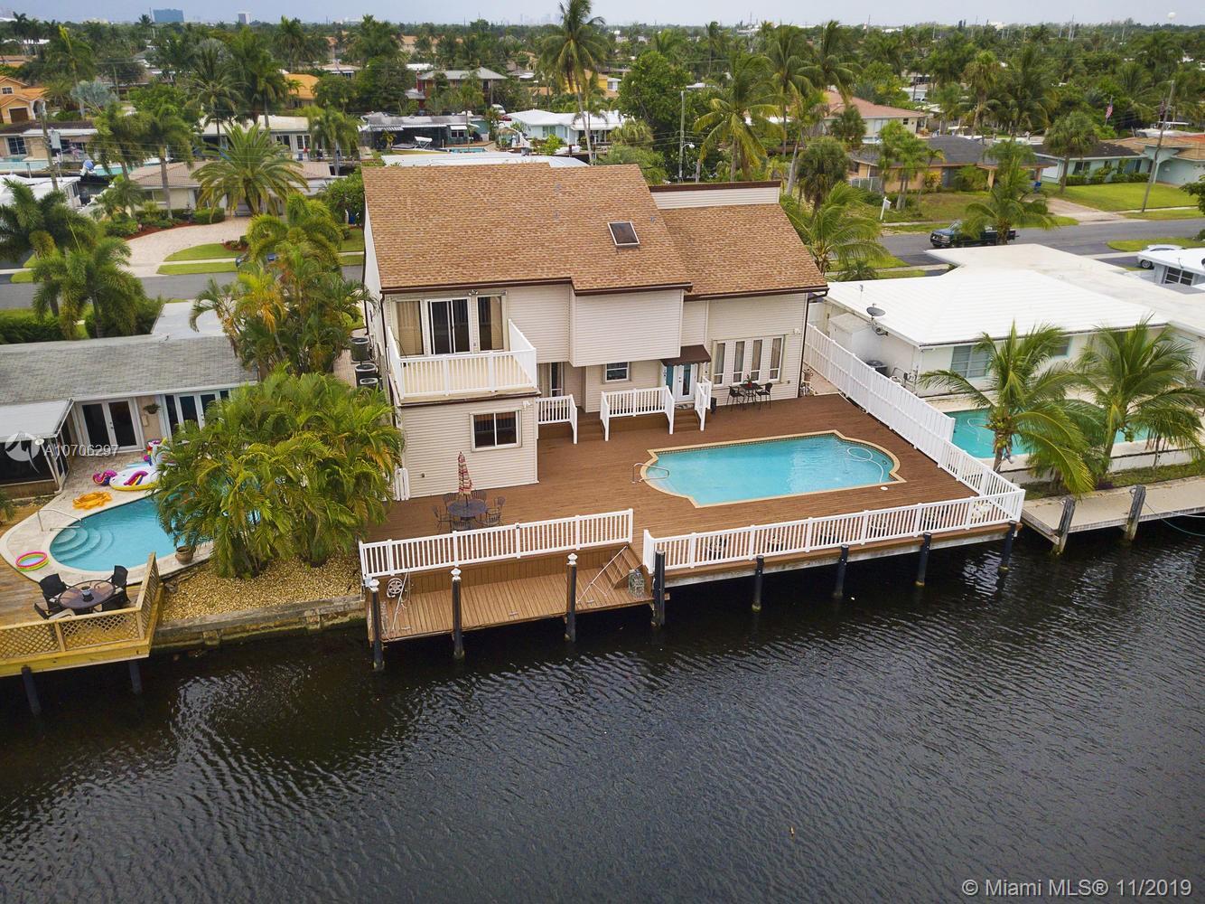 281 SE 11th St, Pompano Beach, FL 33060