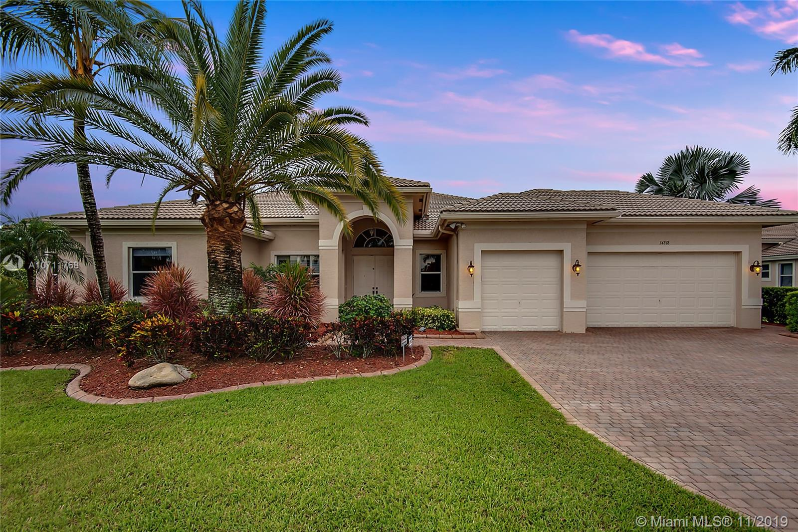 14818 SW 38th St  For Sale A10711768, FL