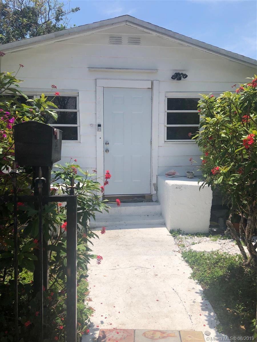 3802  Oak Ave  For Sale A10712015, FL