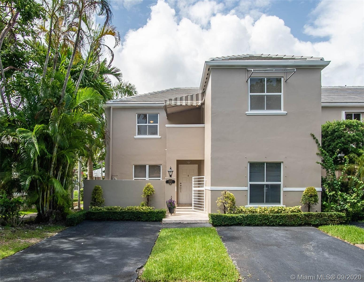 6961 SW 56 ST  For Sale A10712093, FL