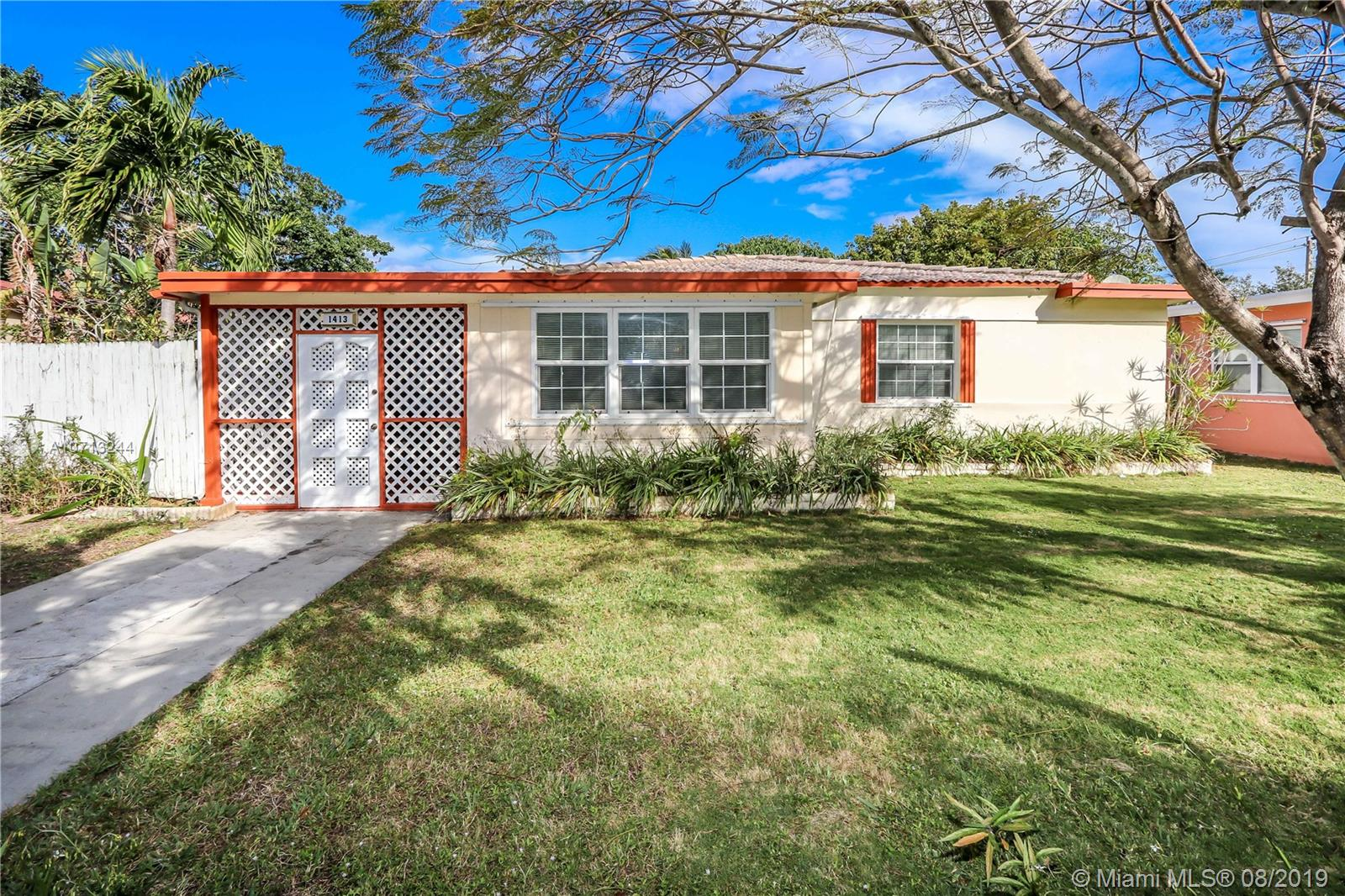 1413  Dewey St  For Sale A10713244, FL