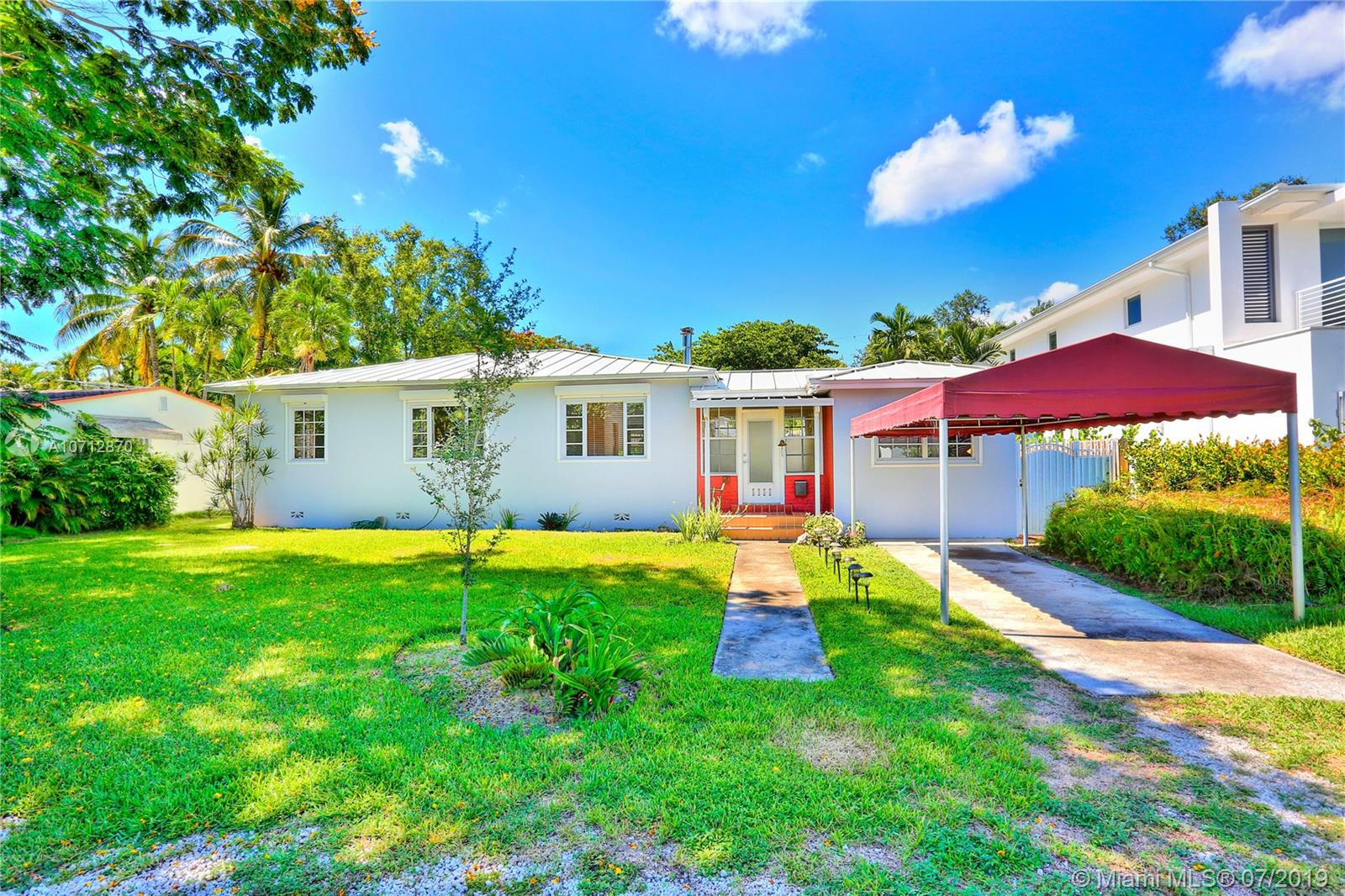 5752 SW 77th Ter  For Sale A10712870, FL