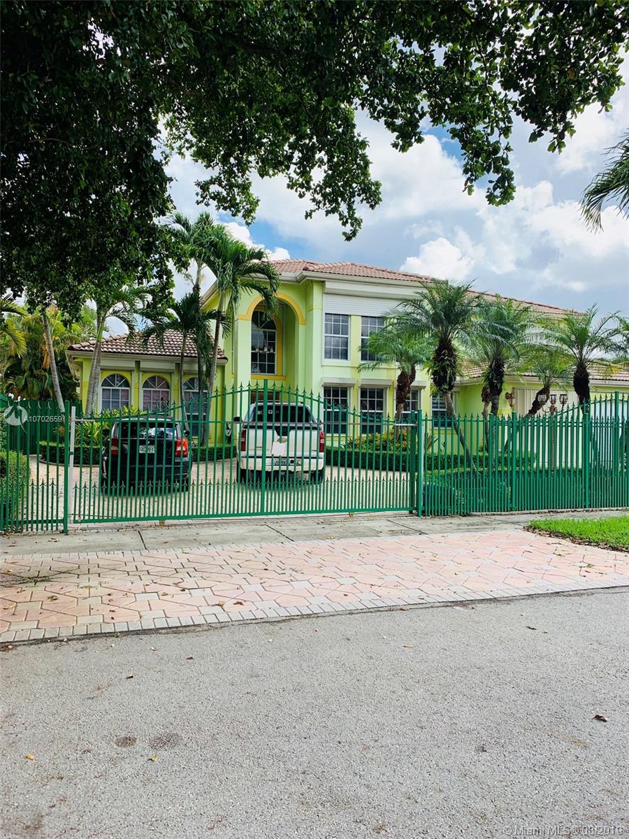 15555 SW 114th St, Miami, FL 33196