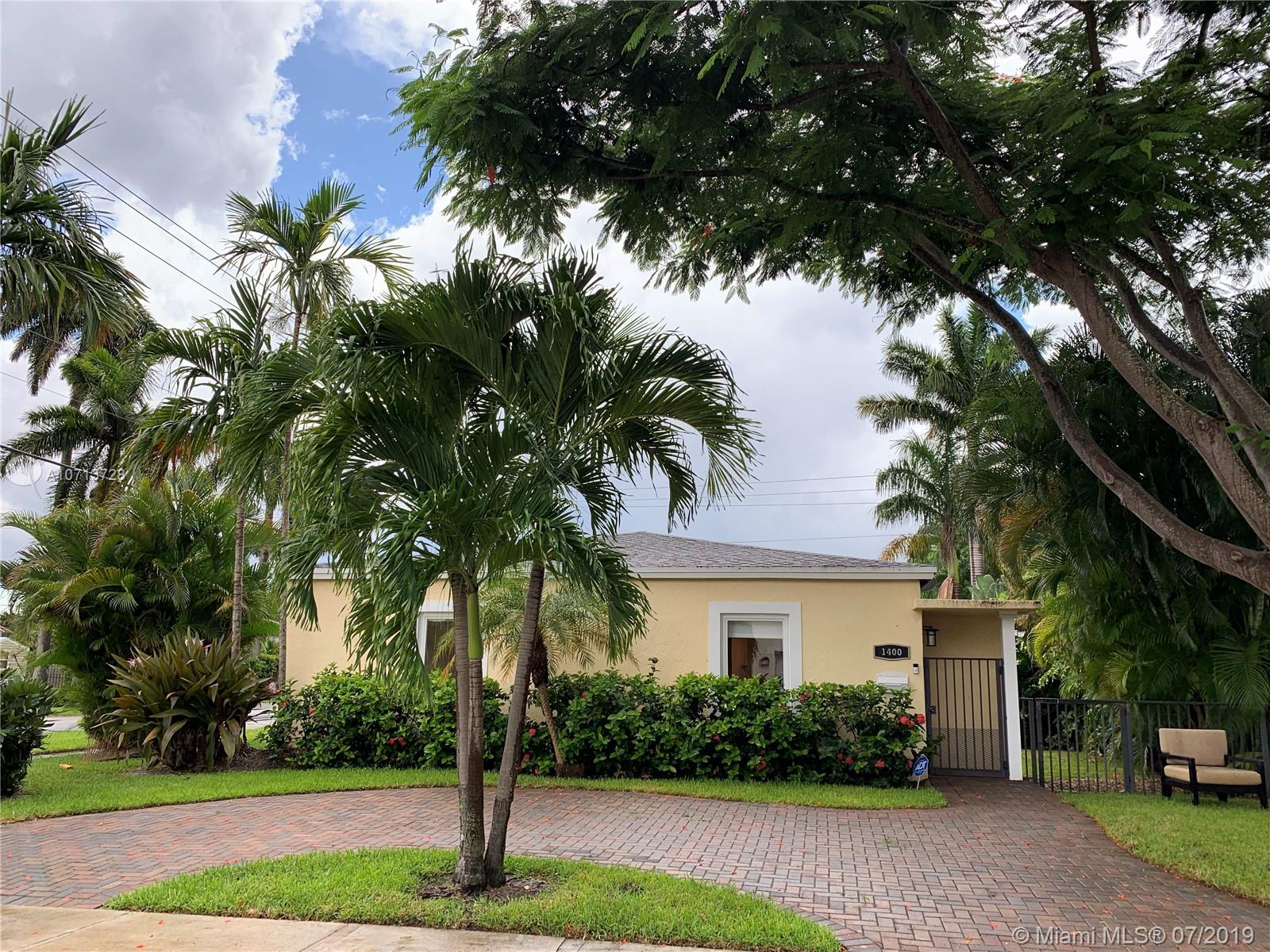 1400  Dewey St  For Sale A10713728, FL