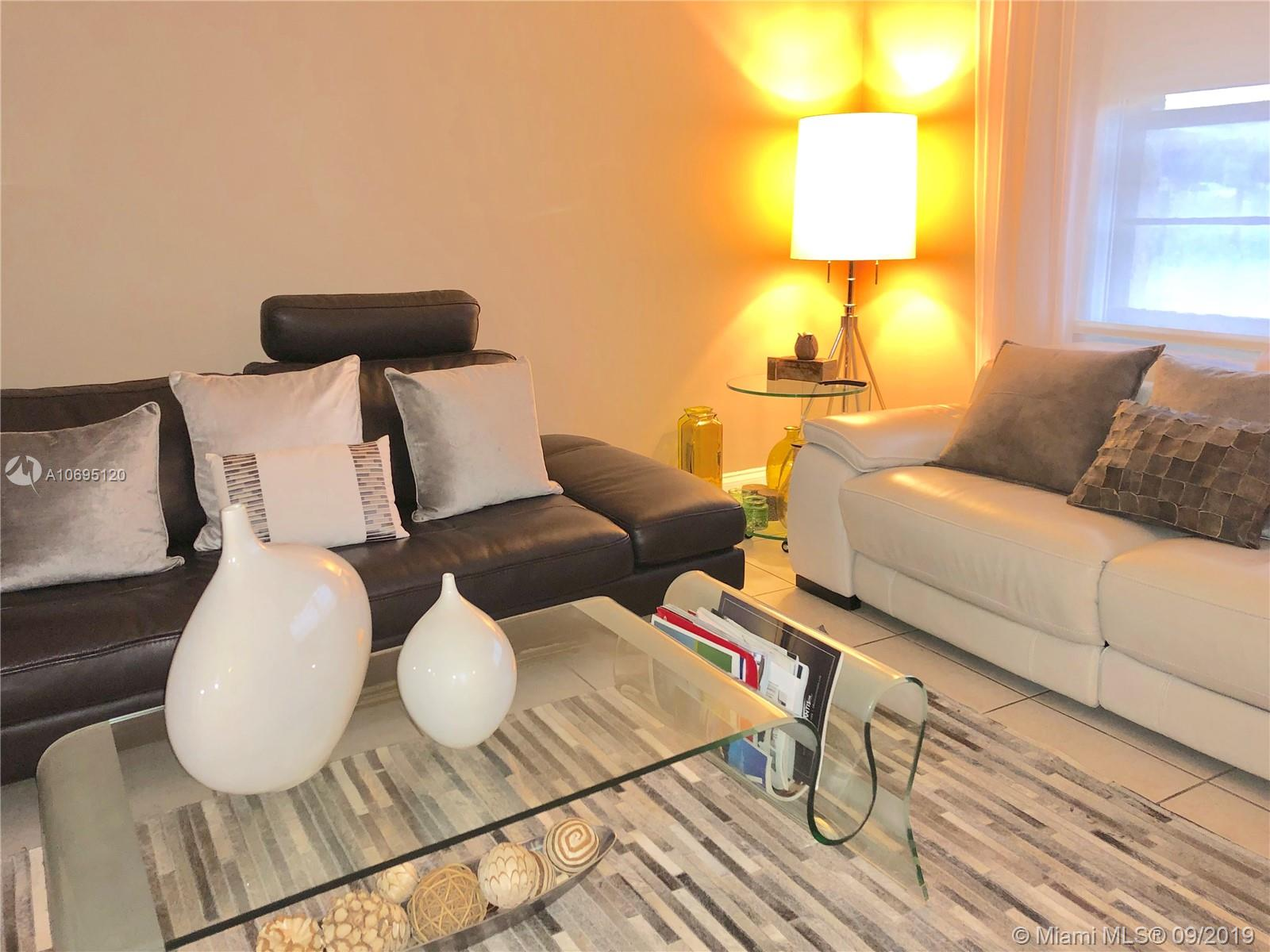 2617 N 40th Ave #A-2 For Sale A10695120, FL