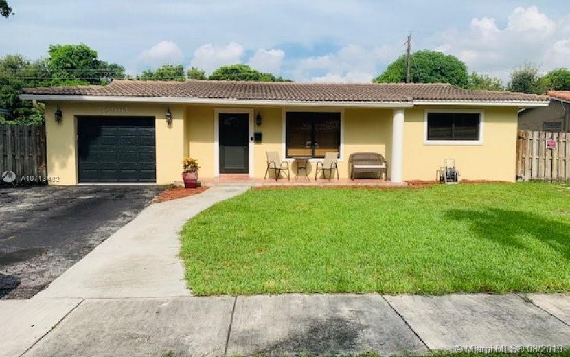13961 lake George, Miami Lakes, FL 33014