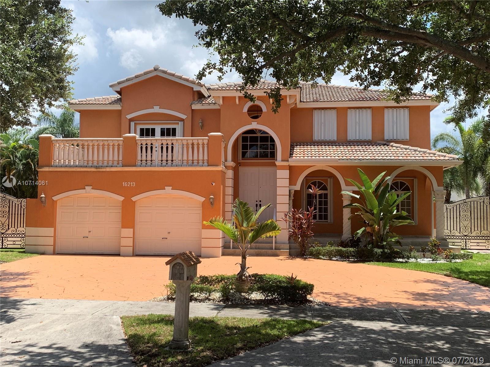 16213 NW 84th Pl, Miami Lakes FL 33016