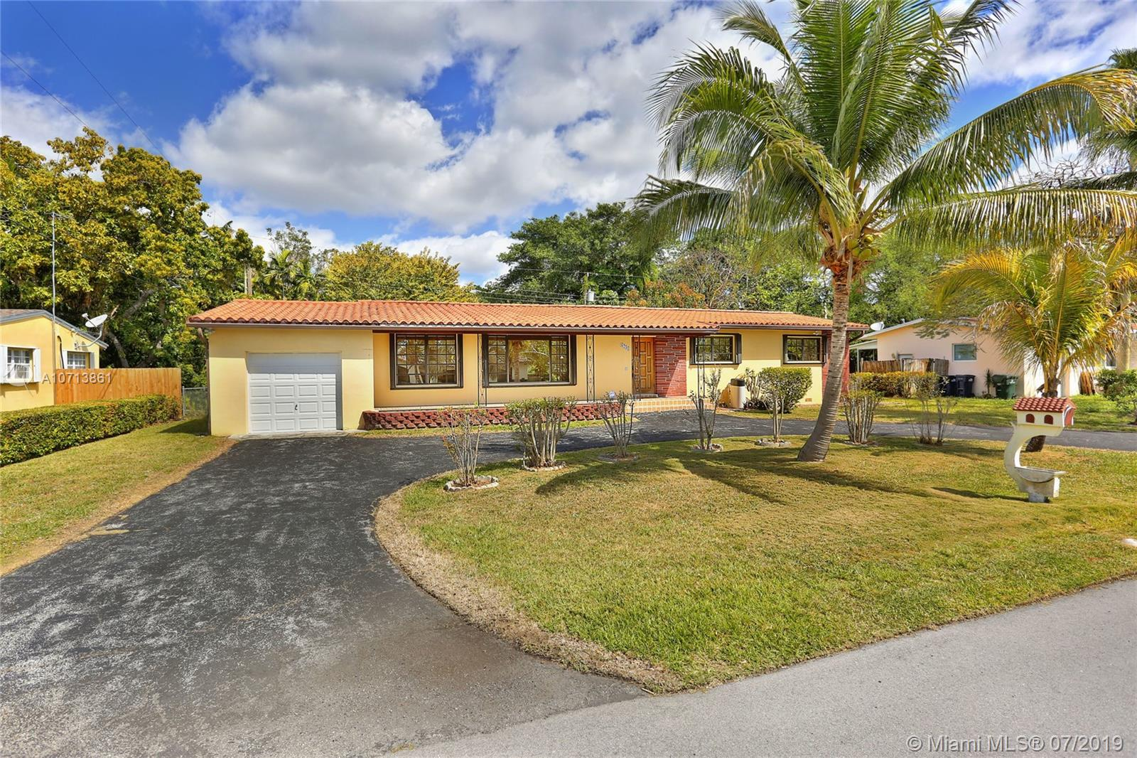 6231 SW 61st St  For Sale A10713861, FL