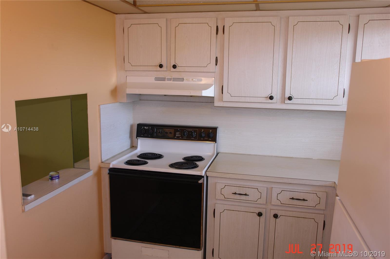 2741 N Pine Island Rd   305